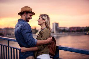 無料で婚活を始められる!男女別おすすめの婚活アプリ8選