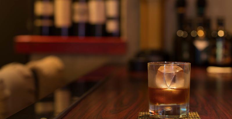 出会いの場「バー/居酒屋」のイメージ