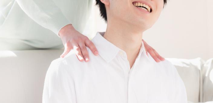 マッサージ上手いアピール、からの手/肩マッサージのイメージ