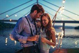 付き合う前のデートを成功させるコツ|脈ありor遊びの判別法も紹介!