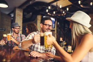 居酒屋で出会いはある?初心者におすすめな4つの場所と出会う方法